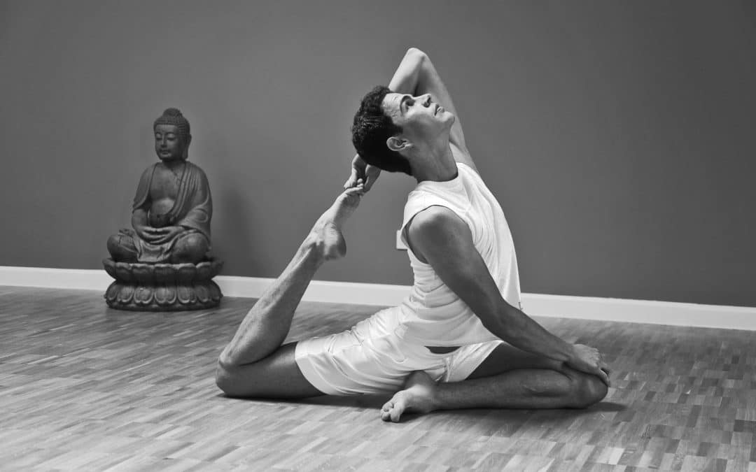 "Special: Yoga Masterclass ""Path of Light"" mit Teo Nenov"