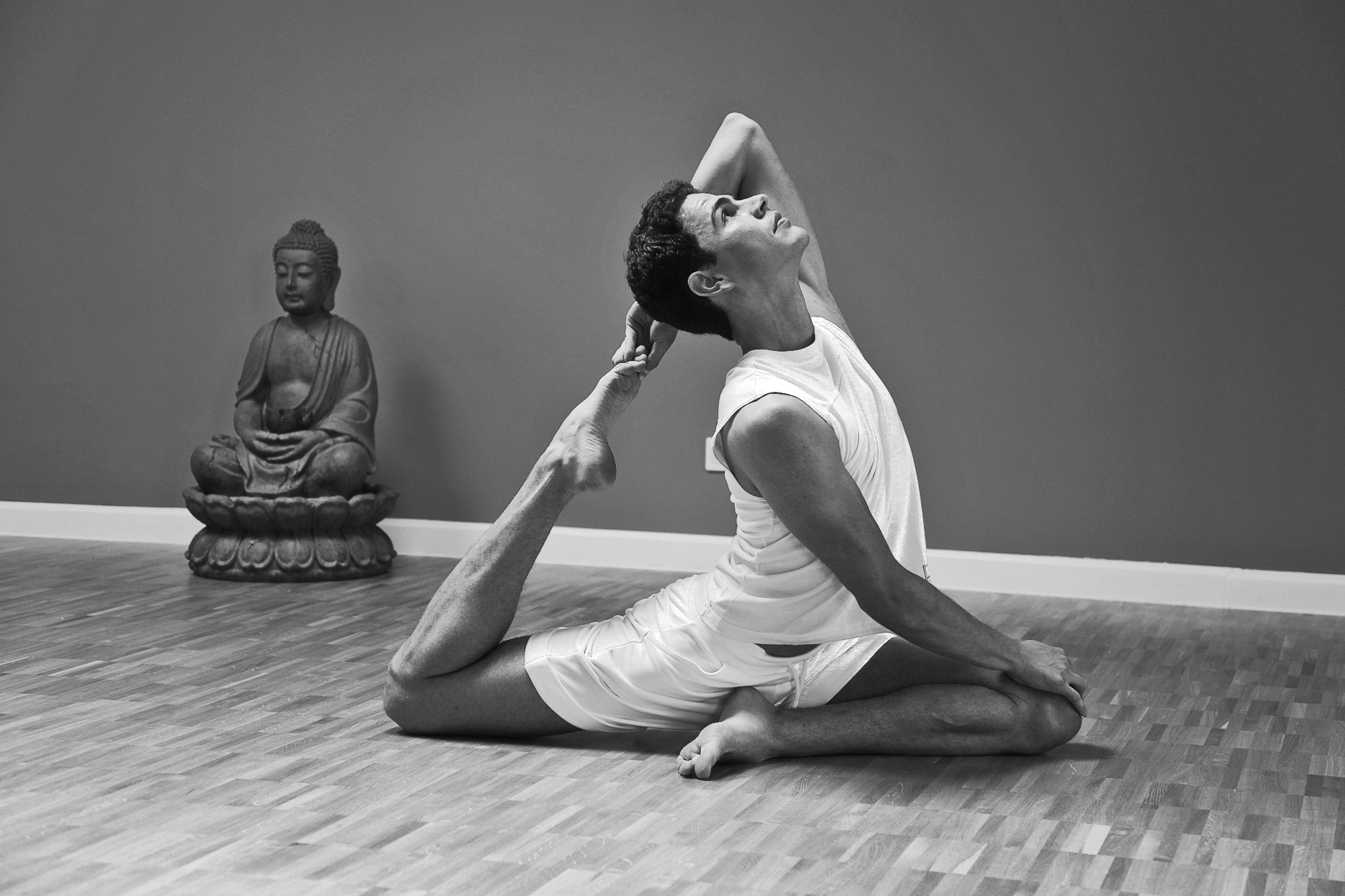 "Ankündigung: Yoga Masterclass ""Path of Light"" mit Teo Nenov"